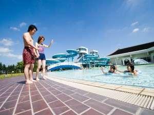 シャトレーゼ ガトーキングダムサッポロ ホテル&スパリゾート:2018年の屋外プール全面オープンは6/30(土)~8/31(金)まで★北海道の夏を楽しもう!