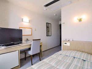 ホテル ニューチコウ:【シングル】ゆったりとしたスペースに充実設備のシングルルームでごゆっくりお寛ぎください。