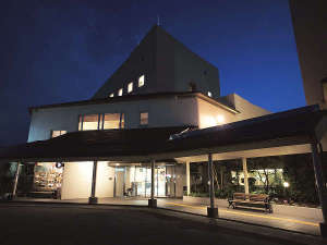 【別棟 横手駅前温泉 ホテルプラザ迎賓】ファミリーやご夫婦旅に人気の温泉宿。日帰り入泉もございます。