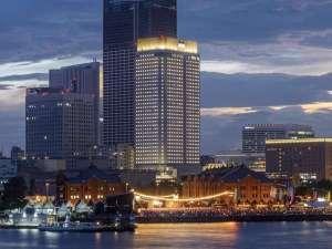 アパホテル&リゾート<横浜ベイタワー> 2019年9月20日開業の写真