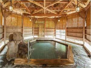青森ワイナリーホテル:六角露天風呂