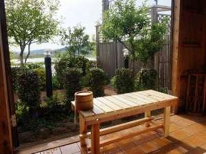北浦宝来温泉つるるんの湯宿 北浦湖畔荘:貸切露天からの風景