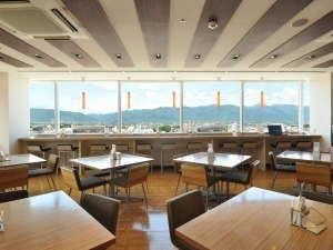 【10Fレストラン ル シエル】(昼)② 晴天時は10F朝食会場から北アルプスが一望できます!