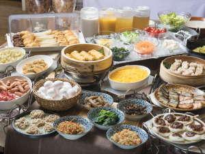 【ご朝食バイキング】約40種類の和洋バイキング。信州ならではのお料理もご用意致しております。