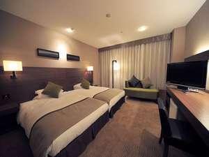 津都ホテル:ハリウッドツイン (24平米)     セミダブルベッド120cm幅