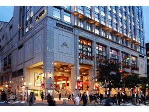 スマイルホテル博多:地下鉄中洲川端駅より徒歩で約7分。天神よりバスにて約5分。(提供:福岡市)