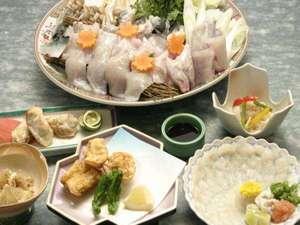 料理民宿 おれんじ荘:淡路の冬はやっぱりフグ!隅々までフルコースでお召し上がりください♪