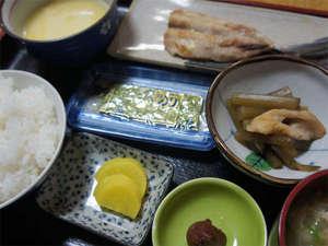 ビジネスホテル西郷:【日替わり朝食一例】隣接する「ととや」でお召し上がりください