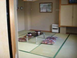 旅館やまき:和室1