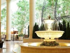 オリエンタルホテル東京ベイ :【ロビー】南仏プロヴァンスをイメージしたロビー