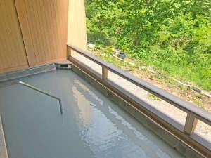 五色の湯旅館:*露天風呂 湯治や温泉マニアの方大歓迎!含ラジウム硫化水素泉の豊富な効能を是非お調べください!