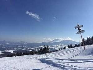 バラギ高原の宿 ホワイトドリーム:パルコール嬬恋スキー場・・ゲレンデよりの浅間山です。