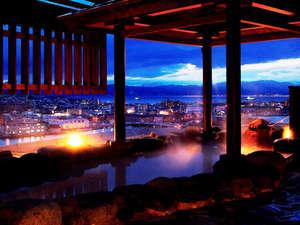 ラビスタ函館ベイ:【露天風呂】最上階の露天風呂からは最高の眺望をお約束します。