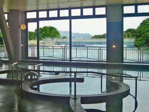 九十九島シーサイドテラス ホテル&スパ 花みずき:高濃度の泉質と広い浴場は疲れた身体をゆっくり癒してくれます