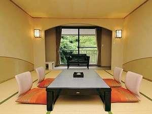 九十九島シーサイドテラス ホテル&スパ 花みずき:落ち着きのある山側の15畳和室