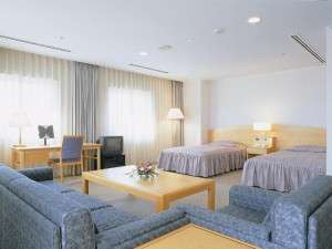 川崎国際交流センターホテル:48㎡で庭園を望む広々スイート