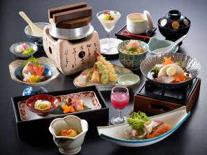 花の心のおもてなし 辻のや花乃庄:【お料理一例】 ※お料理内容、品数等、変わる場合がございます。