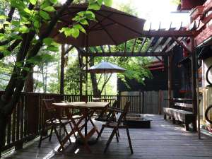 ジョバンニの小屋:春のウッドデッキ
