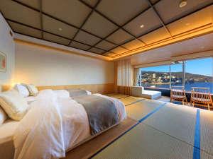 熱海後楽園ホテル:エクセレンシィルーム一例。高層階より素晴らしい眺望をお楽しみ頂けます。