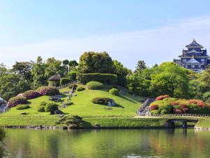 日本三名園の一つ。約300年前に岡山藩2代藩主池田綱政が藩主のやすらぎの場として作らせた庭園です。