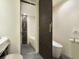 ホテルグランヴィア岡山:グランヴィアフロアのセパレートのバス・トイレ(32平米以上のお部屋)