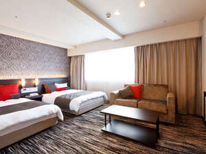 クサツエストピアホテル:広々30㎡のデラックスツイン。ソファベッドを使用すれば3名様までお泊りいただけます!