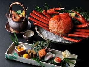 星野リゾート 界 出雲:【秋の特別会席】秋に漁が解禁になる紅ずわい蟹の特別会席。濃厚な甘味をたっぷり味わえる旬の一品です
