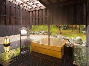 【1階客室】誰もが一度は憧れる檜の客室露天風呂で優雅なひとときを
