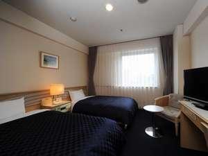 ホテル ニュ-ヒロデン:『ツインB』 大きな窓から光が降り注ぎ、目覚めの良い朝を・・(22㎡)