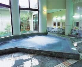 B&Bパンシオン箱根:【温泉大浴場】広々とした空間でゆったりと温泉を満喫できます。