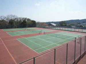 グリーンホテル:テニスコート10面完備