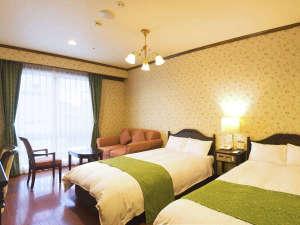 オールドイングランド道後山の手ホテル:ゆったり33平米のツインルーム