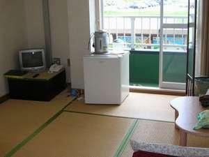 ビジネスホテル・山本:ビジネスの方でもゆったり、くつろげるお部屋です。