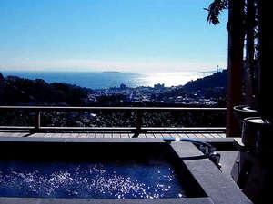 島、海、望むみかんの丘の貸切湯 ボンファム:お風呂は全てお部屋ごと貸切に。