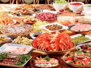 草津温泉 ホテルヴィレッジ:【夕食バイキング】和洋中デザートの食べ放題バイキングスタイルです。