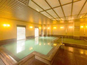 草津温泉 ホテルヴィレッジ:草津温泉湯畑の源泉を引く温泉大浴場は、夜も利用可能!