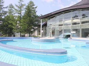 草津温泉 ホテルヴィレッジ:【温水プール・テルメテルメ】屋内プールの他に夏は限定の屋外プールがオープン!8/31まで