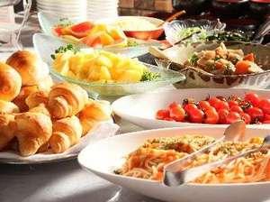 坂出グランドホテル:朝食は和洋のバイキングスタイル。好きなものが選べられるのでお得!(写真は一例です。)