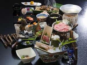 夏のお料理一例。一品一品に料理人の技が込められたお料理をお楽しみ下さい。