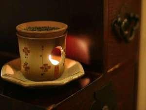 安比八幡平の食の宿 四季館 彩冬:吹き抜けのロビーを包む香の香り