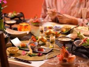 安比八幡平の食の宿 四季館 彩冬:森の別邸・226かたくりでは専用ダイニングでお食事をたのしめます。