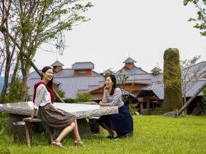 自然を五感で楽しむリゾートホテル レゾネイトクラブくじゅう:4月以降は新緑で綺麗な高原へ。