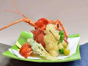 料理旅館 新和具荘:えび天の王道といえば伊勢海老の天婦羅です。外はカリッ中はふわっの食感をお楽しみ頂けます。