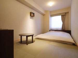 岡山ビューホテル:GORORIダブル◇禁煙◇床に座るンセプト◇畳床 160㎝のお布団
