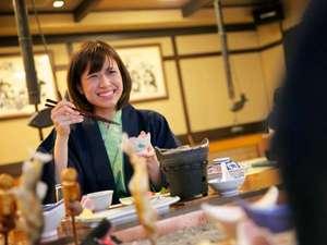 新祖谷温泉 ホテルかずら橋:祖谷の郷土料理はとってもヘルシーで彼女もにっこり☆