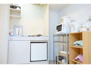 ウィークリーさっぽろ2000:★「室内キッチン」 食器・調理器具、冷蔵庫、炊飯器、レンジ、ポット完備♪