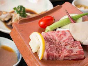 津和野のお宿 よしのや:*【夕食一例:和牛瓦焼き】お好きな焼き加減でどうぞ