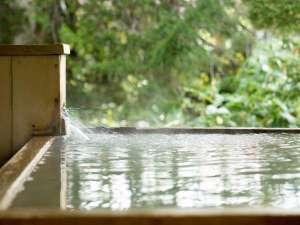 白金温泉郷 森の旅亭びえい:客室露天風呂ももちろん源泉かけ流しで・・・。