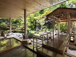 登別温泉 登別グランドホテル:名湯「登別温泉」。露天風呂では移りゆく四季を感じることができます