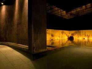 層雲峡 朝陽亭:【癒しの湯 桂月】間接照明の織りなす落ち着いた雰囲気の大浴場